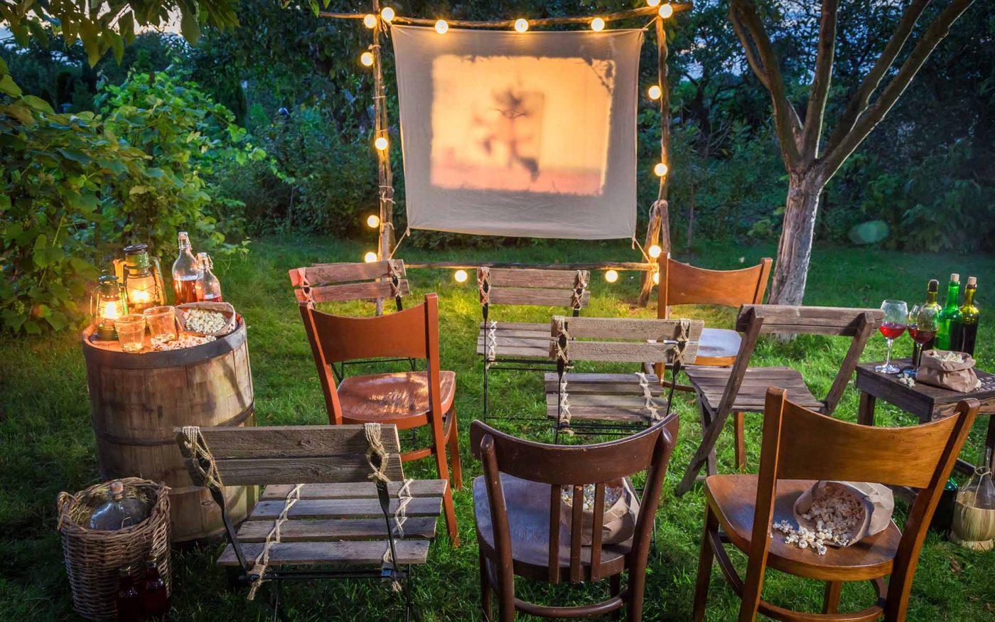 GIOVEDI' 19 Luglio … CINEMA all'aria aperta nel parco del quartiere!