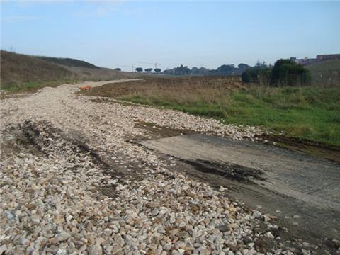 Denuncia per movimento terra e scavi non segnalati nell'area verde di CASAL BRUNORI