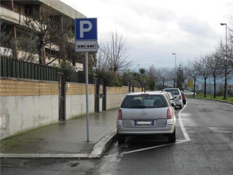 IN ATTESA del completamento dei parcheggi in VIA IRIS VERSARI …