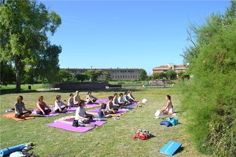 DOMENICA 24 Giugno … si ripete AL TRAMONTO … HATHA Yoga al PARCO di Casal Brunori!